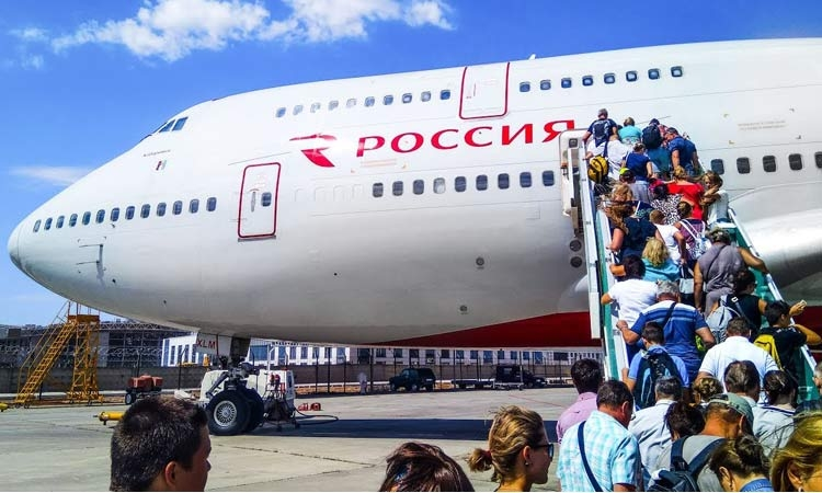 Russian 747 to land this April