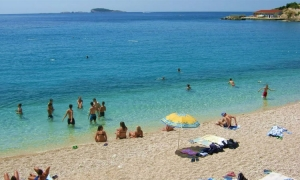 Huge tailbacks at Croatian border mean fewer day trippers from Trebinje on Dubrovnik beaches