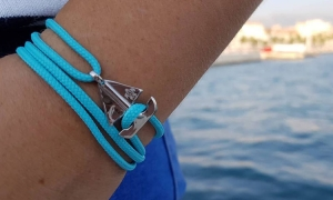 Engrave a dolphin on your bracelet and help save the oceans