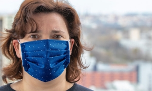 Face masks in shops from Monday
