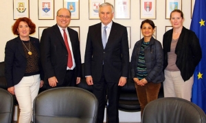 Head of Dubrovnik County (centre) meets with World Bank