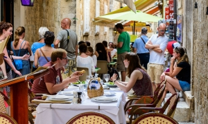 Over a billion Euros of tourism revenue in 2016 expected